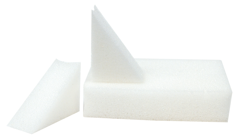 4 MAKE-UP Wedge Sponge small